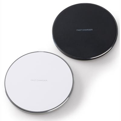 Carregador Rápido wireless por indução em formato de disco.